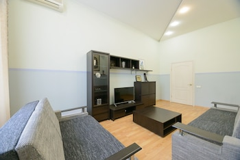 Basic Apartment, 2 Bedrooms, City View, Courtyard Area