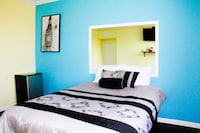 Room, 1 Queen Bed, Non Smoking, Private Bathroom