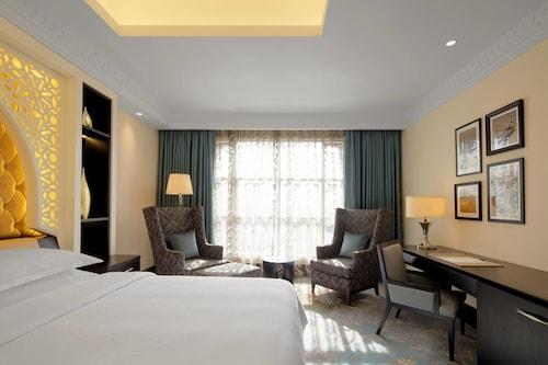 Sheraton Sharjah Beach Resort & Spa,