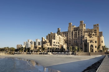 Hotel - Sheraton Sharjah Beach Resort & Spa