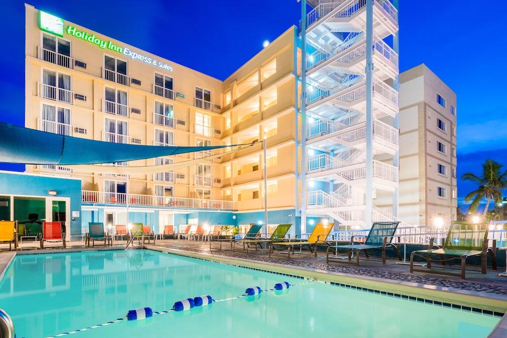 Hotel Holiday Inn Express & Suites NASSAU