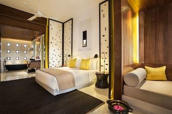 Club Room, 1 King Bed (Intercontinental)