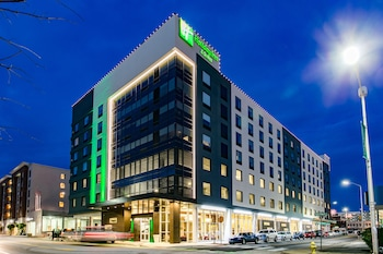 查塔努加市中心假日套房飯店 Holiday Inn Hotel & Suites Chattanooga Downtown