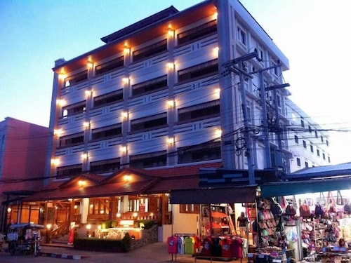 . Riverfront Hotel Mukdahan