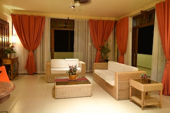 Tribal Hills Mountain Resort Puerto Galera Living Area