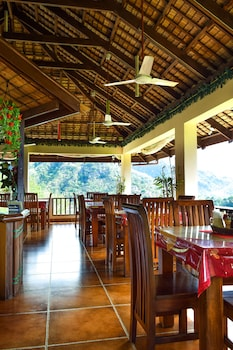 Tribal Hills Mountain Resort Puerto Galera Dining
