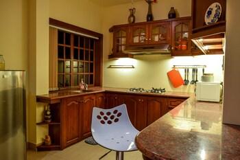 Tribal Hills Mountain Resort Puerto Galera In-Room Kitchen