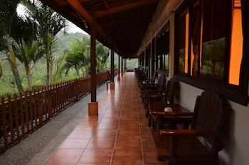 Tribal Hills Mountain Resort Puerto Galera Hotel Interior