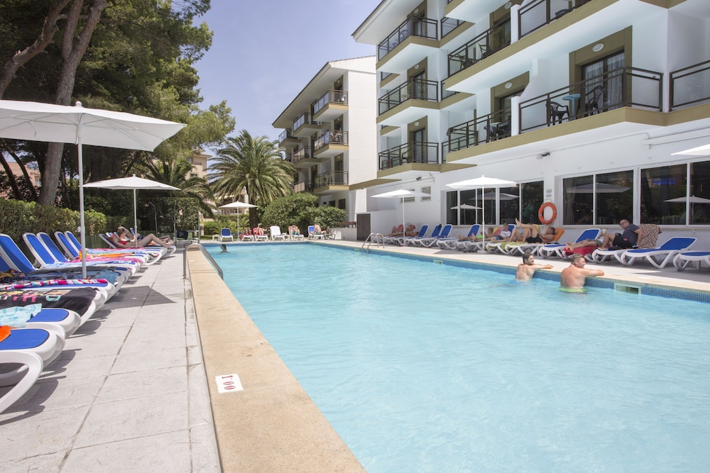Guya Wave Hotel, Featured Image