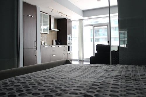 The Corporate Suites - Ice Condos, Toronto