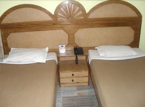 Hotel Divya, Varanasi