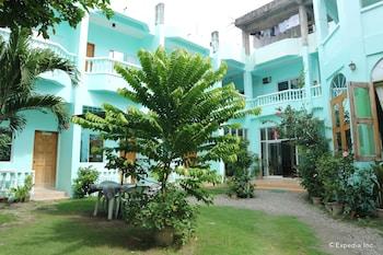 Shorebreak Boracay Resort Property Grounds