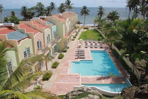 . Hotel Lucia Beach