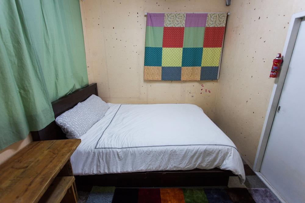 アーバン アート ゲストハウス