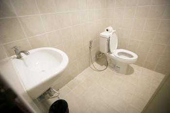 Infinity Guesthouse - Bathroom  - #0