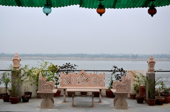 Hotel - Ganga Monastery