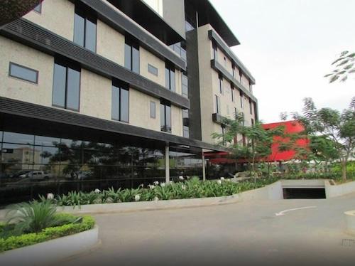 Samba Hotel, Maianga