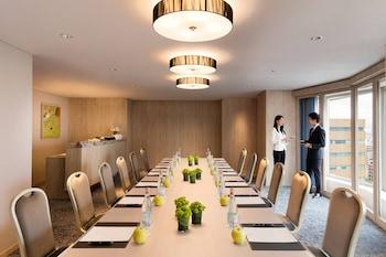 COURTYARD BY MARRIOTT SHIN-OSAKA STATION Meeting Facility