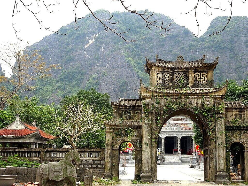 Tam Coc Garden, Hoa Lư