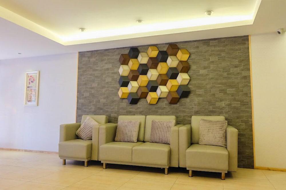 Baron Residence Bangkok
