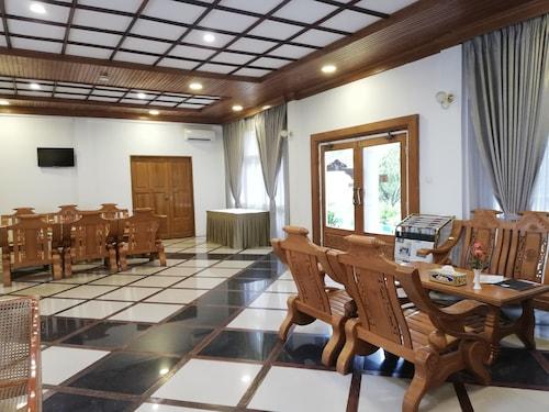 Mrauk U Hotel, Sittwe
