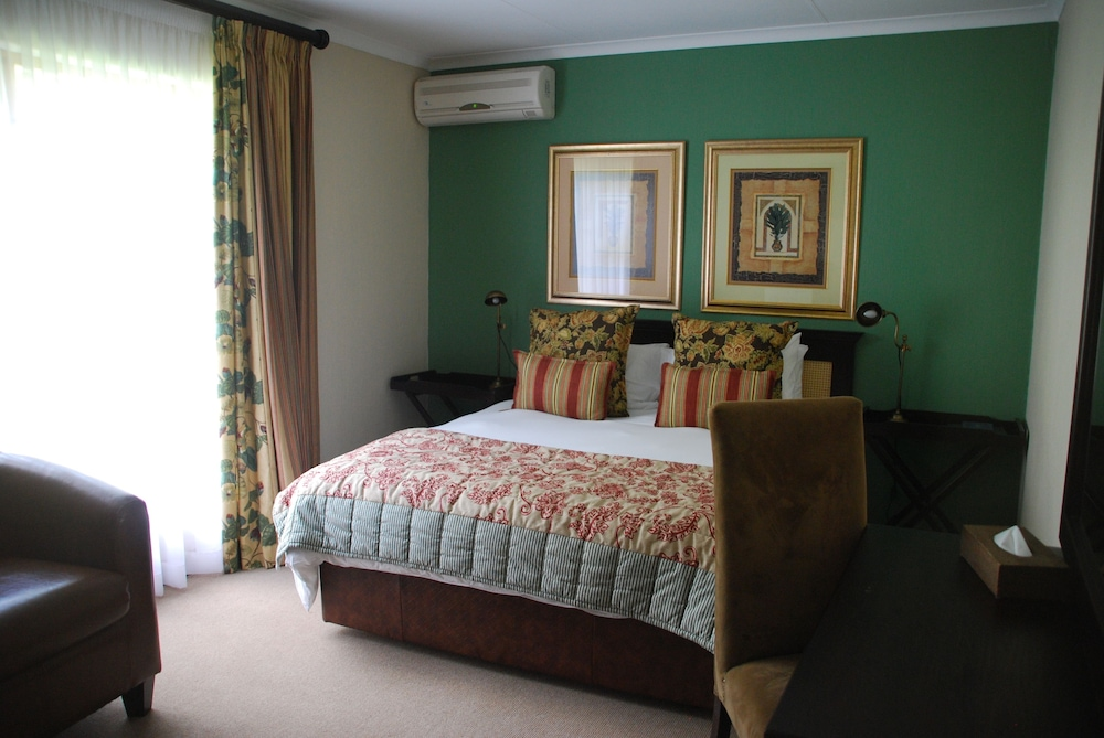 https://i.travelapi.com/hotels/12000000/11970000/11968500/11968409/bfeb27cc_z.jpg