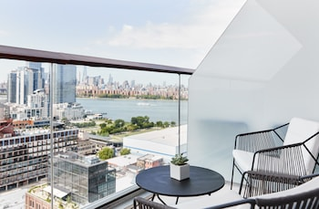 Room, 1 King Bed, Accessible, Balcony (Gotham)