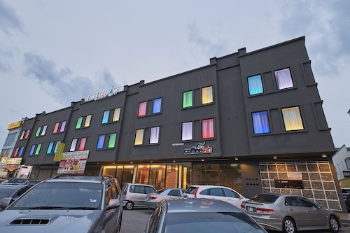 . The Leverage Business Hotel Mergong