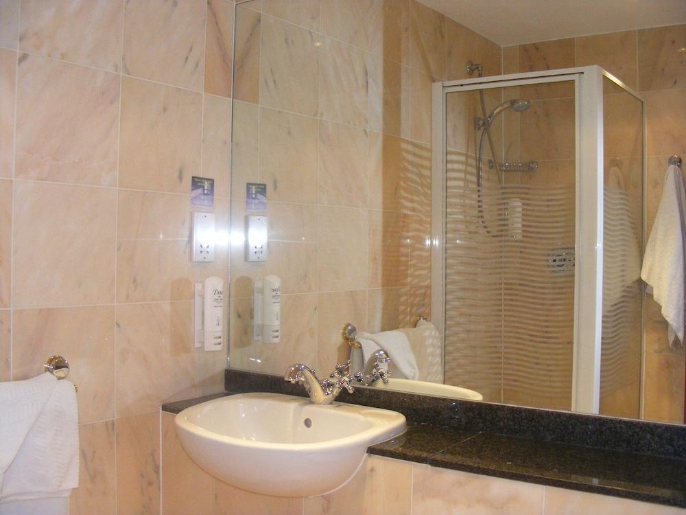 Bathroom Photo