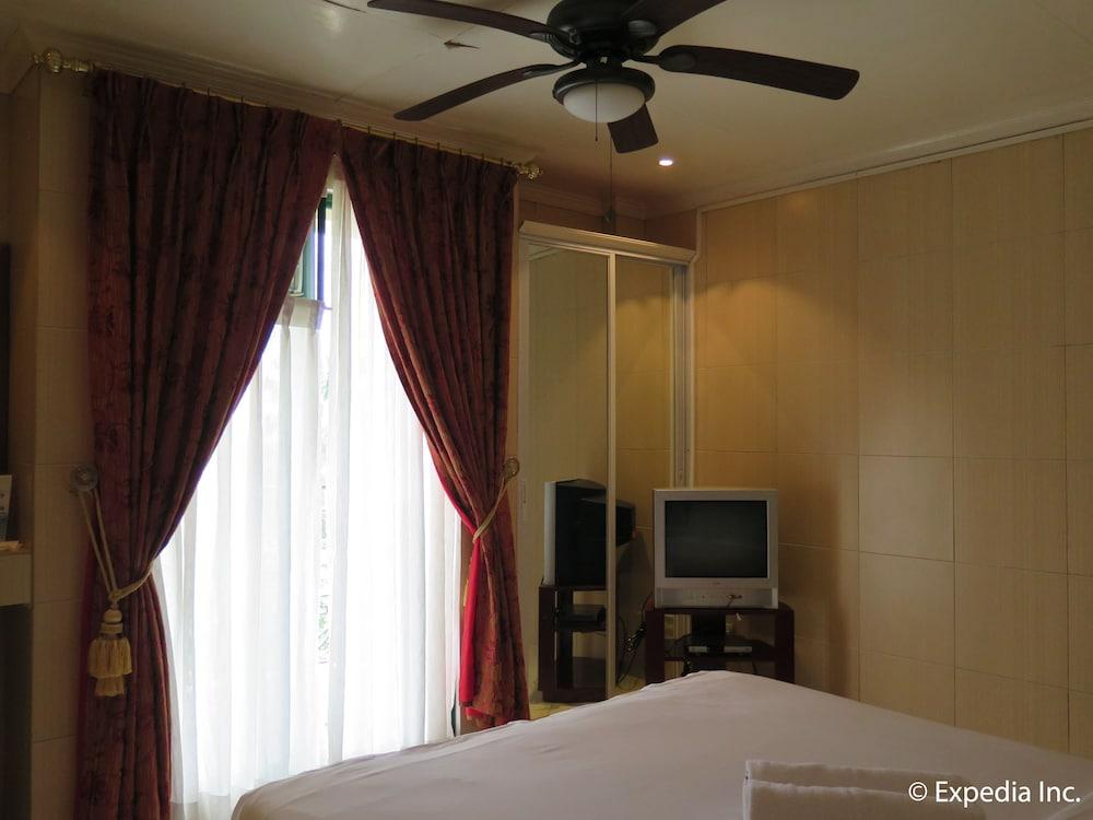 https://i.travelapi.com/hotels/12000000/11980000/11975100/11975080/80eef82c_z.jpg