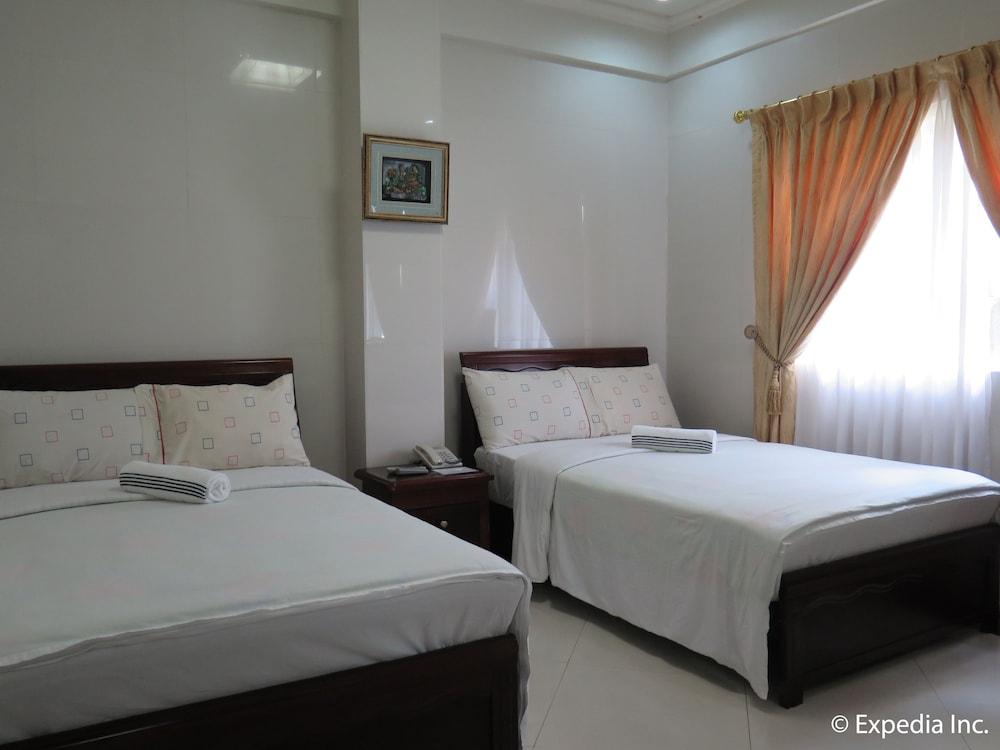 https://i.travelapi.com/hotels/12000000/11980000/11975100/11975080/9957b262_z.jpg