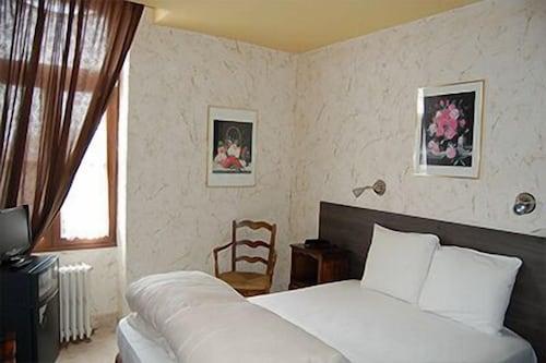 . HOTEL DE LA POSTE