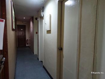 The Southern Cross Hotel Manila Hallway