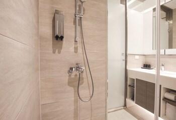 Cityinn Hotel Plus Fuxing N.Rd. Branch - Bathroom  - #0