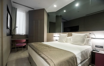 Superior Room, City View (FREE CITY WIFI)