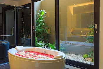 Executive Pool Villa by Baan Haad Ngam - Bathroom  - #0