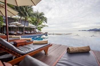 Deluxe Pool Villa (1 Way Airport Transfer)