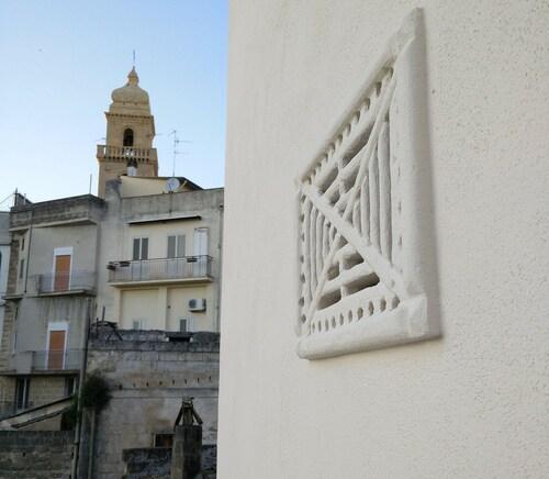 Le stanze del Melograno, Bari