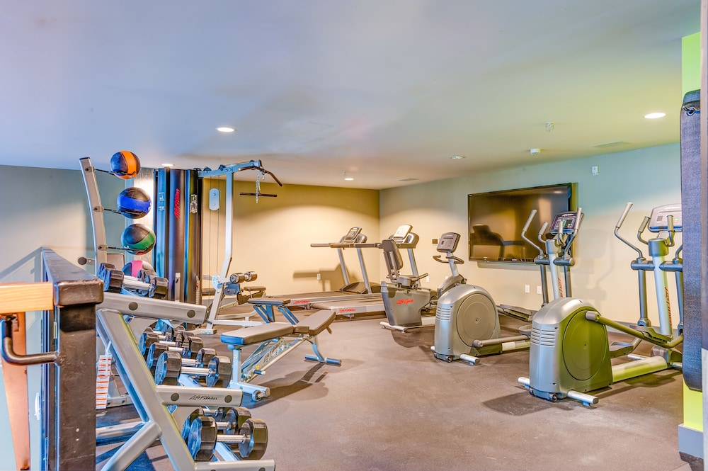 Health and Fitness : Fitness Facility 5 of 54