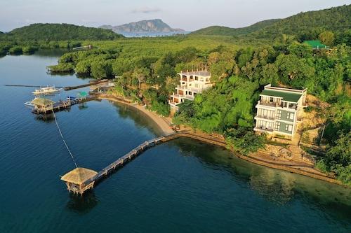 . La Estancia Busuanga Resort