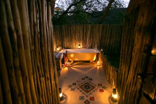 The Hide Safari Camp, Hwange