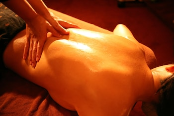 HOTEL AND SPA LOTUS MODERN – ADULTS ONLY Massage