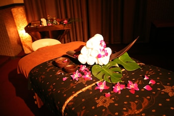 HOTEL AND SPA LOTUS MODERN – ADULTS ONLY Spa Treatment