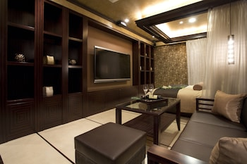 HOTEL AND SPA LOTUS MODERN – ADULTS ONLY Living Area