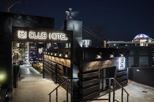 . M1 club hotel
