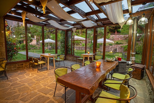 . Anavasi Mountain Resort
