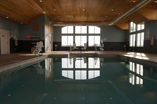 GrandStay Hotel & Suites, Mount Horeb-Madison, Dane