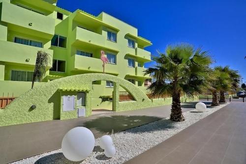 Estudios Tropicana, Baleares