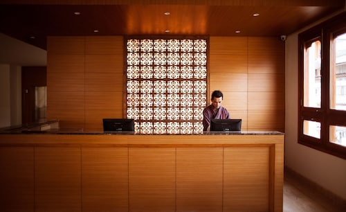 Hotel Osel, Chang