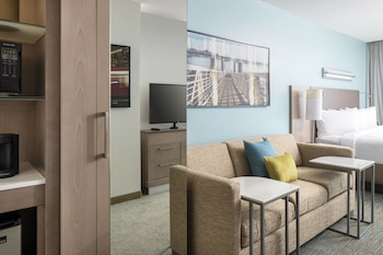 Guestroom at Springhill Suites San Diego Downtown/Bayfront in San Diego